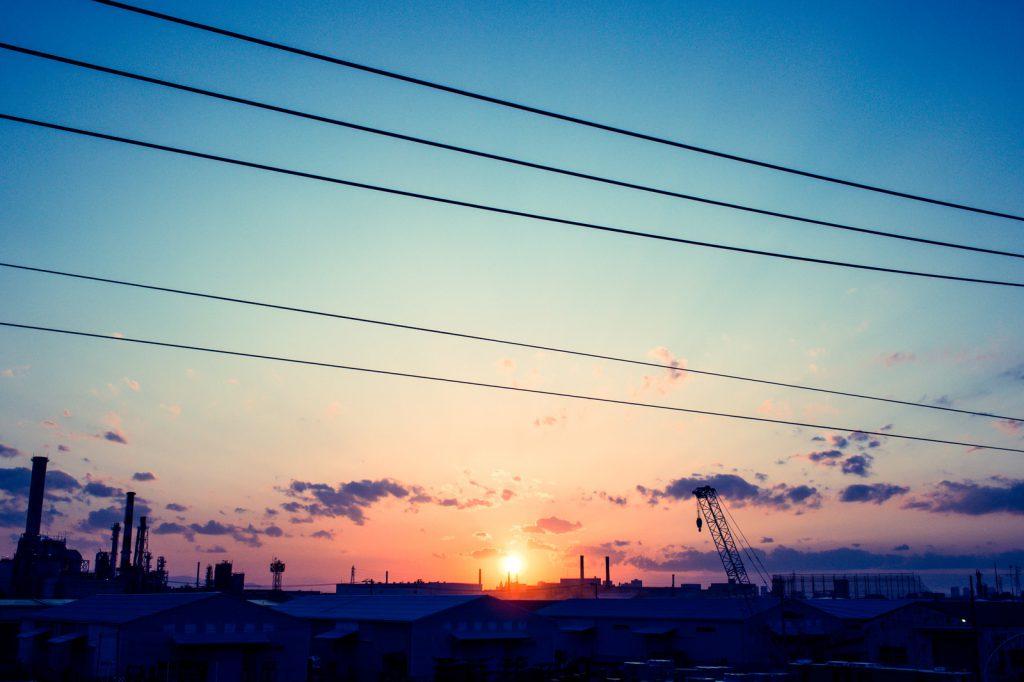 工場から見た日の出