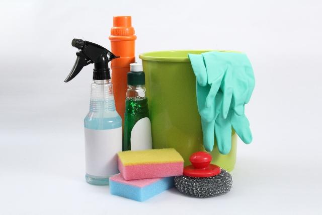 バケツやスポンジなど掃除道具