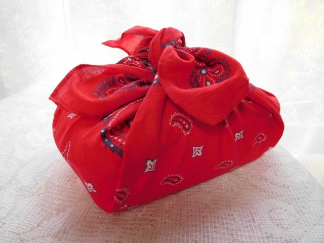 赤い弁当袋