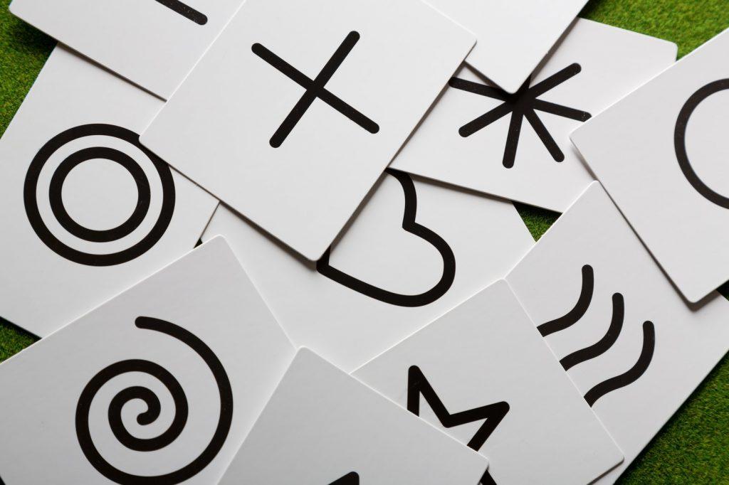 占星術の書かれたカード