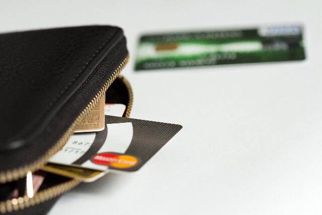 クレジットカードと財布