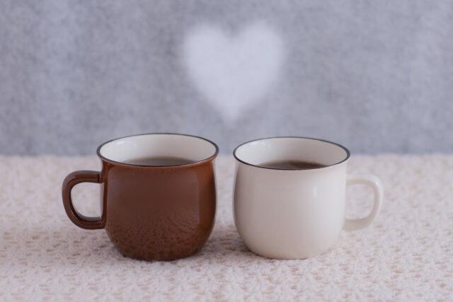 マグカップとハート形の湯気