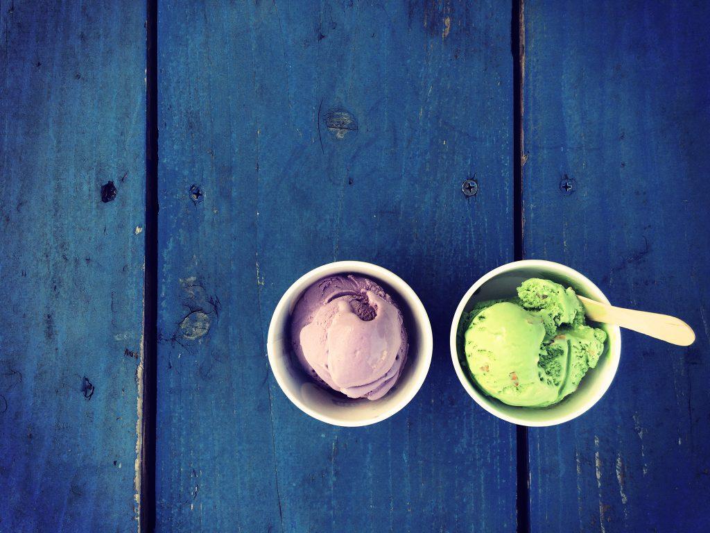 南の島のカラフルなアイスクリーム