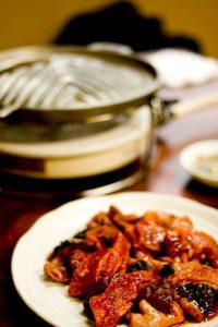 生肉と炭焼き