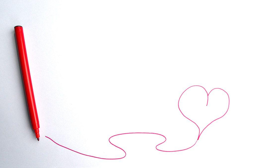 赤いペンで書かれたハートマーク