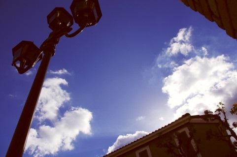 澄み渡る青空