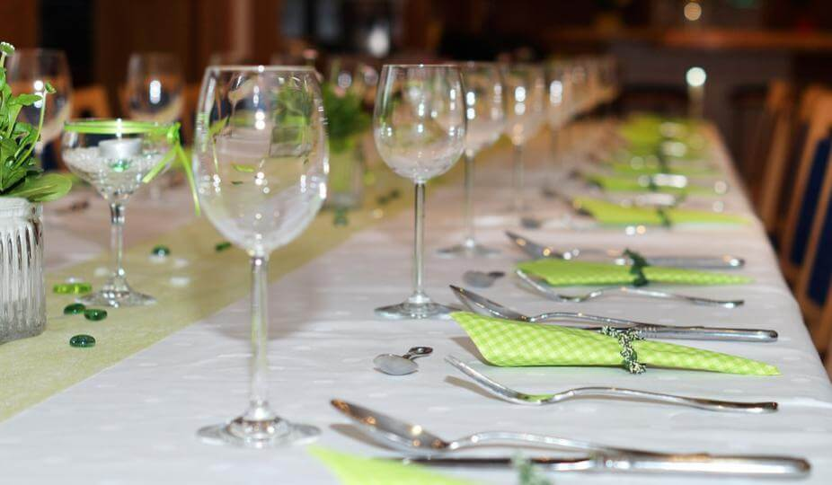 高級レストランのテーブル