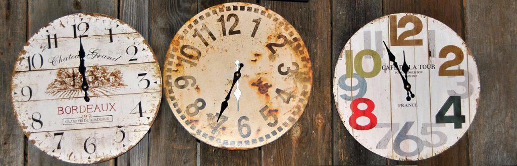 夏時間を示した時計