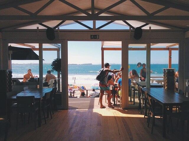 ビーチにあるレストラン