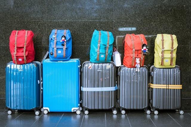 カラフルなスーツケース
