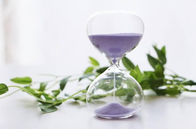 紫色の砂時計