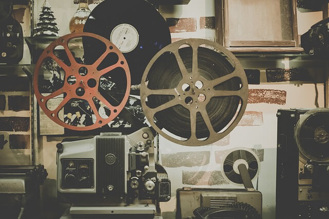 映画館のプロジェクター