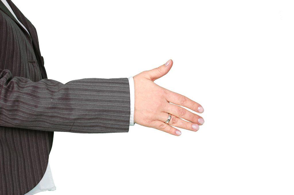 リスタートの握手