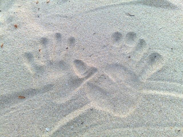 砂浜に記した元彼との手