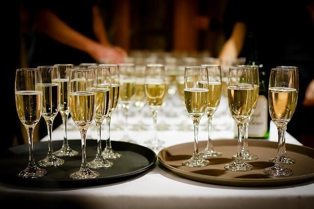 パーティー会場で出されたシャンパン