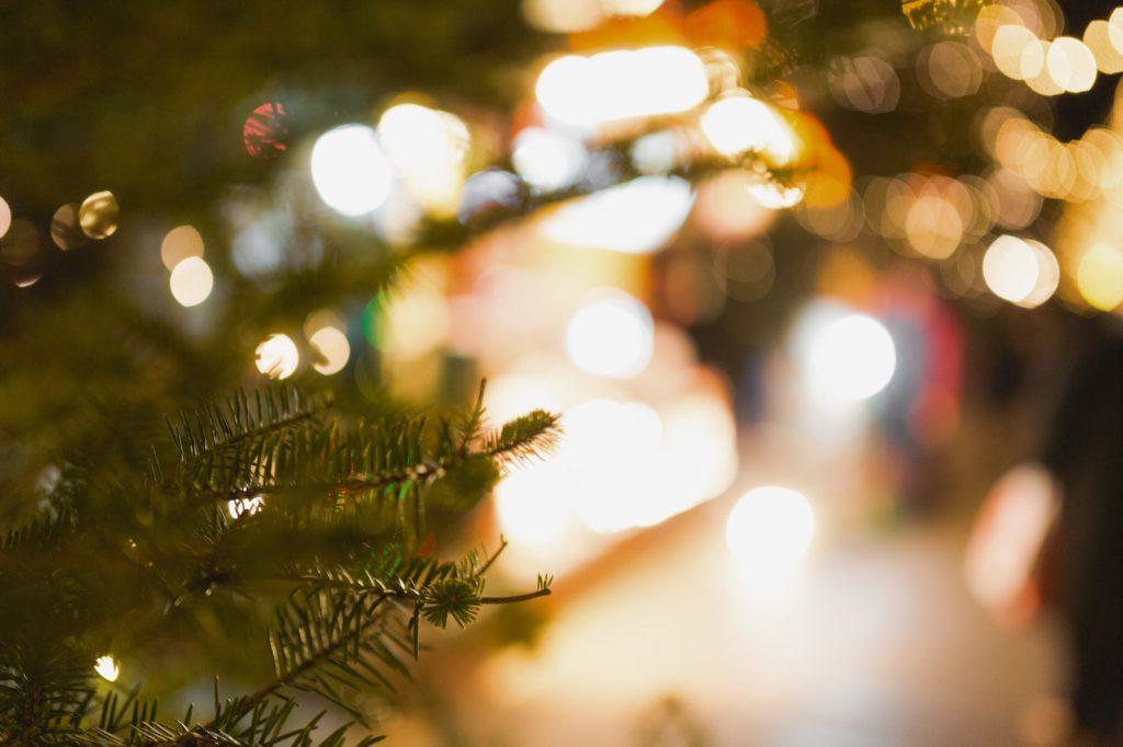 ライトアップされたクリスマスツリー