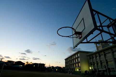放課後のバスケットゴール