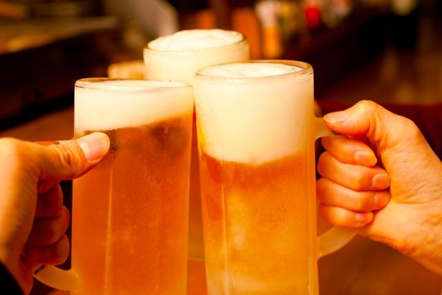 飲み会のビールでの乾杯