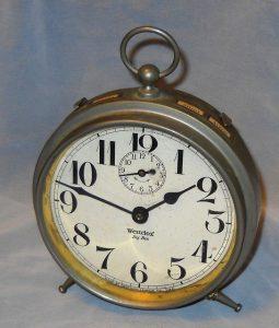 時を刻む時計