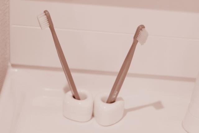 家にある2本の歯ブラシ