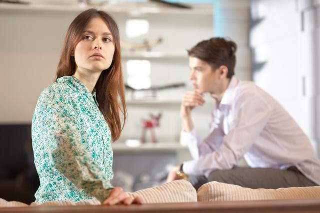 付き合い始めに比べて愛情表現が少ない男性
