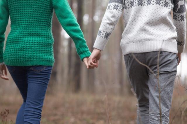 本人たちが年齢を気にせず仲の良いカップル