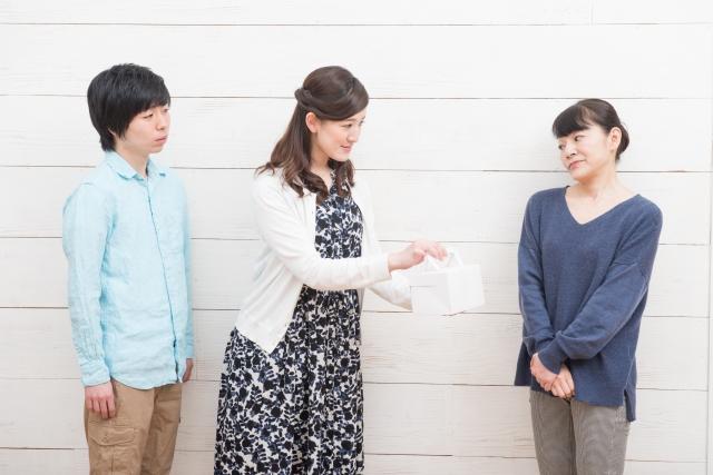 義理の両親や兄弟と付き合うのが嫌な女性