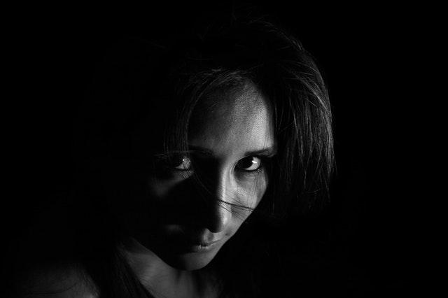 愛情表現不足の女性
