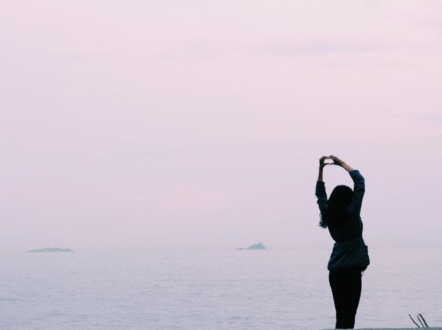 恋愛を楽観視する女性