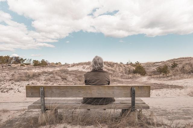 老後を考える女性