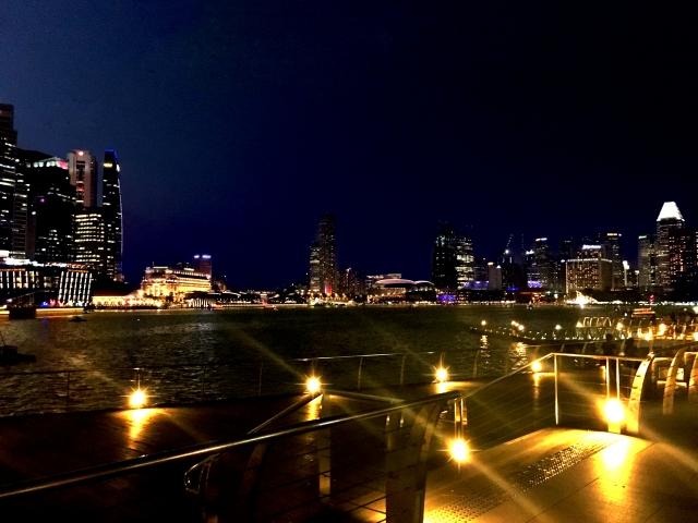 夜景のきれいな街並み
