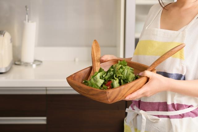 料理が得意な家庭的な女性