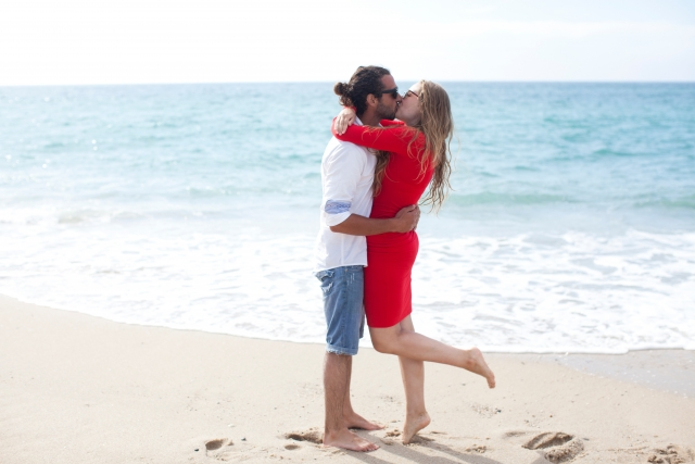 キスをリードしてくれる男性に任せる女性