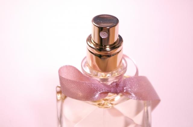 知らない女性の香水