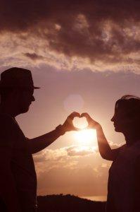 信頼関係を築くカップル