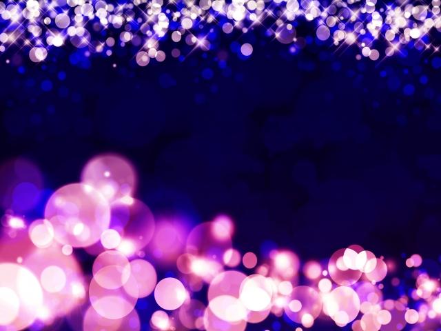 妖艶さが漂う紫色