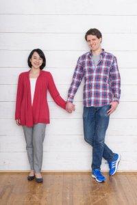 身長差のあるカップルならではのキス