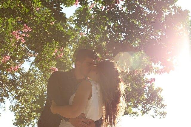 ハグしながらのキス