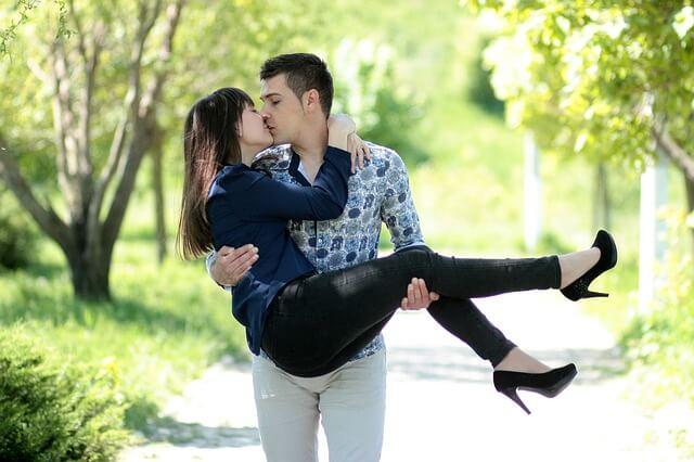 特別な存在とのキス