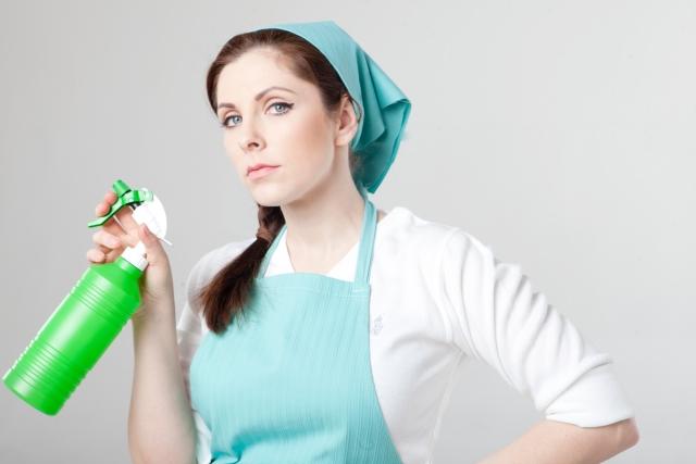 家事を頑張る女性