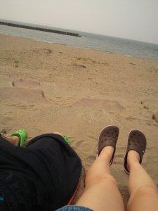 海デートを丸一日楽しむカップル