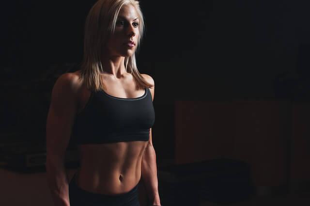 程よく筋肉質な女性