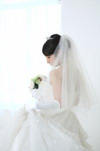 痩せて見える着こなしの花嫁