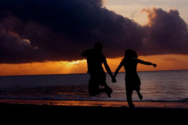 ポジティブに恋愛を楽しむカップル
