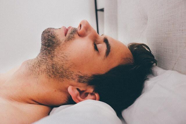 疲れたときに疲れたという自然体な男性