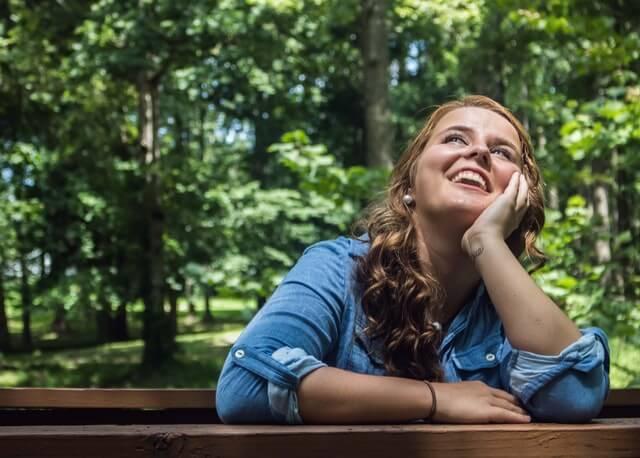 楽観的に片思いを進める女性