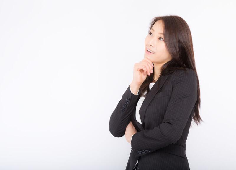 別れの原因を改善しようとする女性
