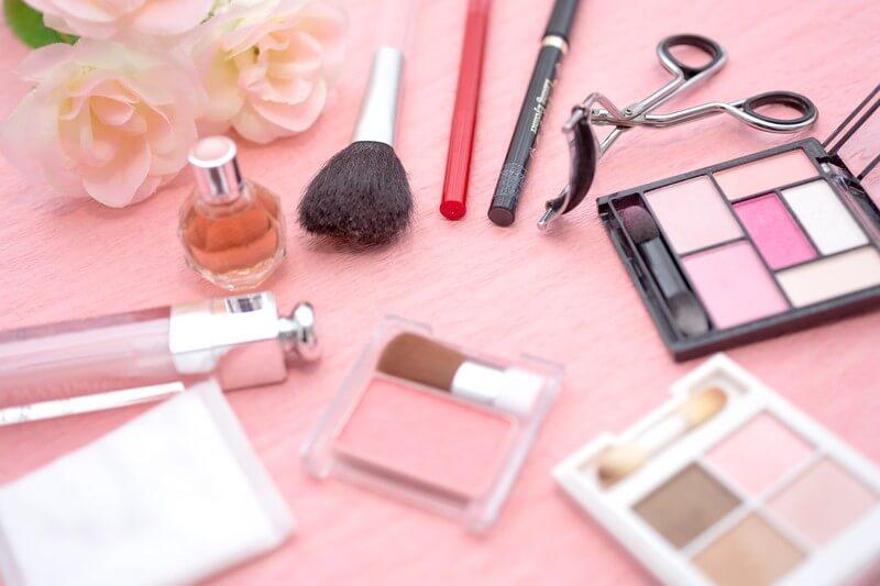 自分磨きの化粧道具