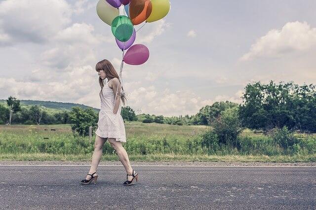 自分の幸せを歩む女性